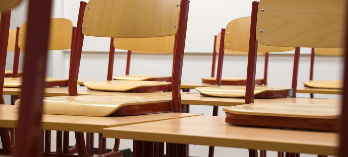 Wbrew pogłoskom religia w szkole nie jest obowiązkowa i uczeń domyślnie nie jest na nią zapisany