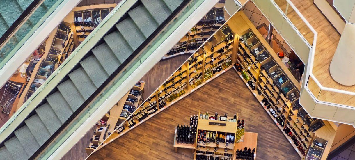 Biedronka wciąż na topie, ale Polacy są coraz bardziej wybredni jeśli chodzi o ceny i jakość obsługi