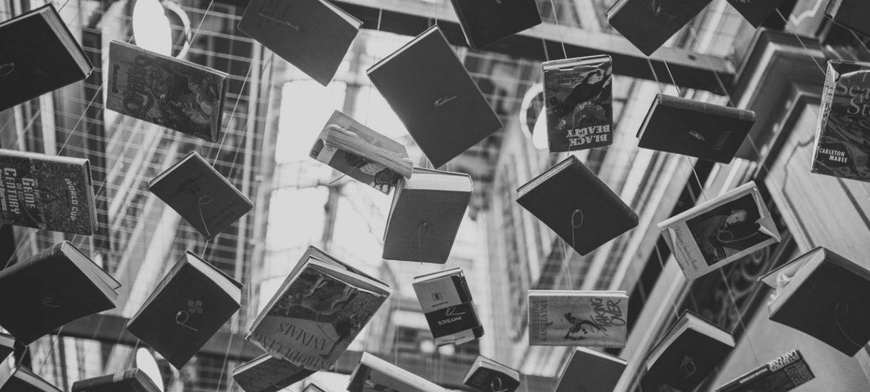 """Dwie osoby oskarżyły dział """"literatura kobieca"""" w wydawnictwie Rebis. O dyskryminację"""