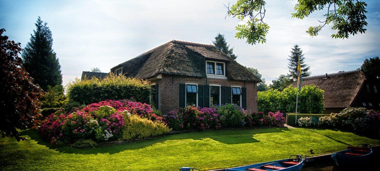 W Polsce mamy 5,5 mln domów jednorodzinnych. Rząd szykuje specjalny przepis dla ich właścicieli