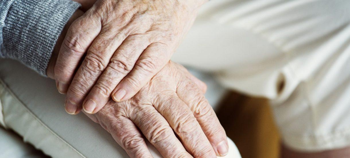 Zadłużenie seniorów sięga 7,3 miliarda złotych, a powodem leki. Halo, nie miały być darmowe?