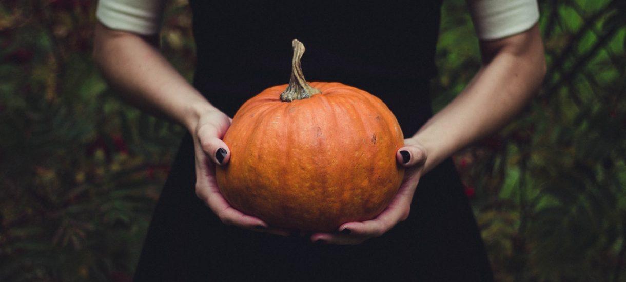 """""""Halloween nie jest polską tradycją"""", mówią niektórzy. Tymczasem jest nam bliższa niż Wszystkich Świętych"""