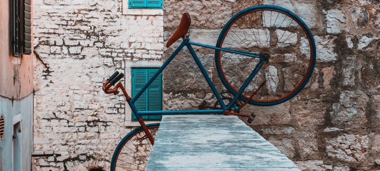 Możemy już nie zobaczyć listonosza na rowerze. Poczta Polska chce zamienić rowery na pojazdy elektryczne