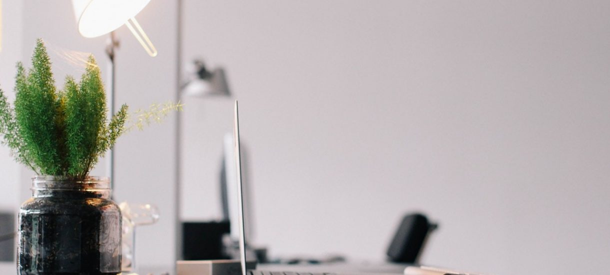 Pomieszczenie pracy: co powinien zapewnić ci w nim pracodawca?