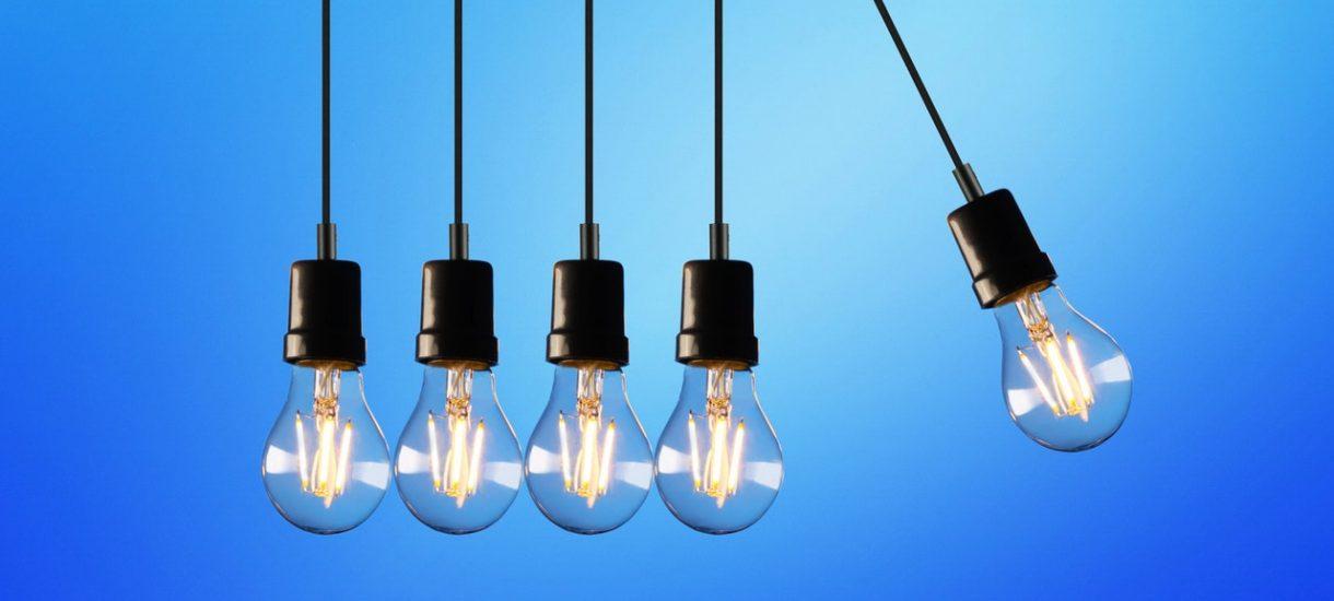 Firmy energetyczne chcą podnieść ceny prądu o 40%. Rząd chce zapłacić te rachunki z naszych kieszeni, wszystkim