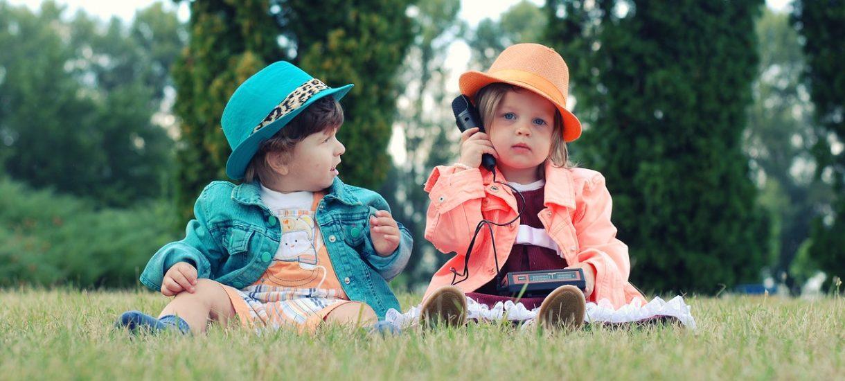 SA orzekł z pełną powagą: Dwulatkowi nie można stawiać zarzutu, że podróżował z nietrzeźwym kierowcą