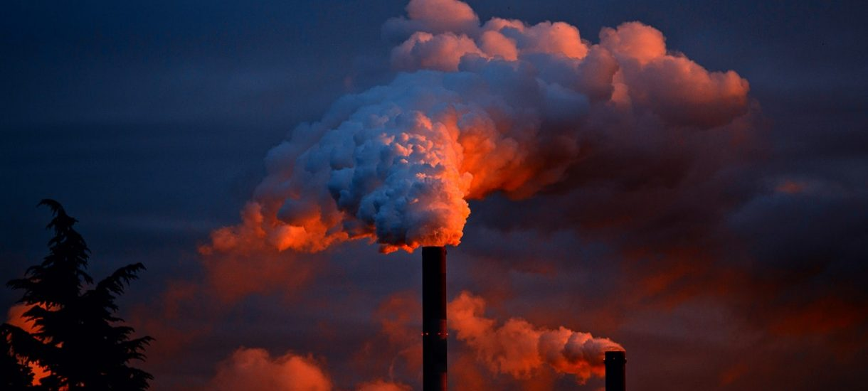 Czy z powodu choroby dróg oddechowych możemy pozwać sąsiada, który pali śmieci?