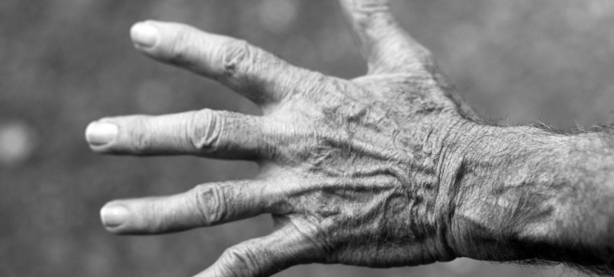 Żona odstawiła mężowi leki przeciwpadaczkowe, by idealnie wycelować z oddaniem go do szpitala w Wigilię