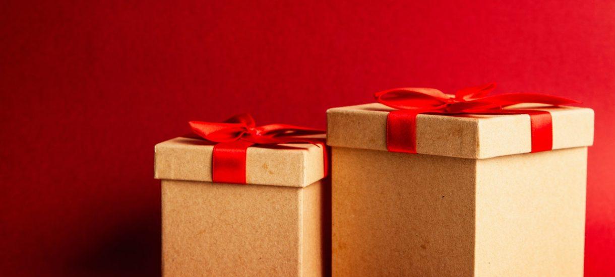 Prezent kupiony na ostatniąchwilę wciąż może dotrzećw wigilię. DHL, DPD, UPS, GLS, FedEx i Poczta Polska tego dnia pracują
