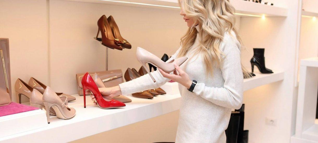 Bogacze zapłacili kilkaset dolarów za buty warte…kilkadziesiąt razy mniej. I byli przekonani, że dokonali świetnego zakupu