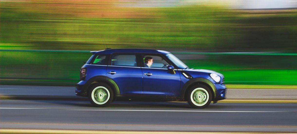 Pojawiła się wątpliwość co do legalności zatrzymania prawa jazdy z powodu przekroczenia prędkości. Rzecznik Praw Obywatelskich kieruje pytanie do NSA