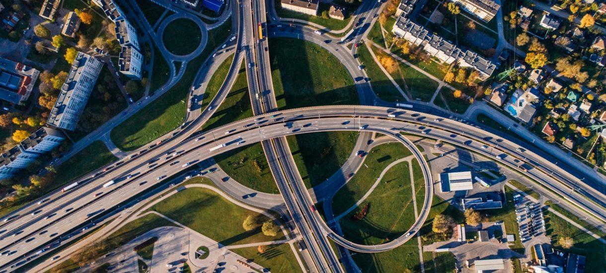 """Najpierw zakaz wjazdu dla diesli, a teraz ograniczenia prędkości na autostradach. Wszystkiemu """"winna"""" ekologia"""