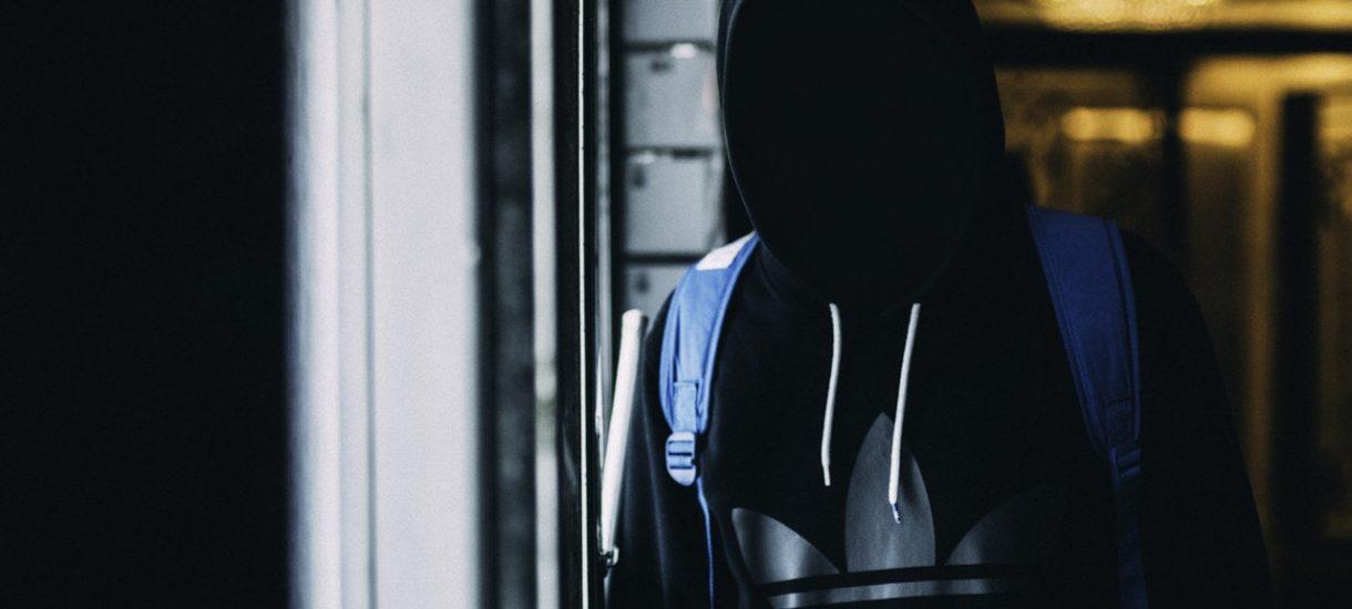 Obowiązek zawiadomienia o popełnieniu przestępstwa. Czy za dochowanie tajemnicy i niedoniesienie o przestępstwie można pójść za kratki?