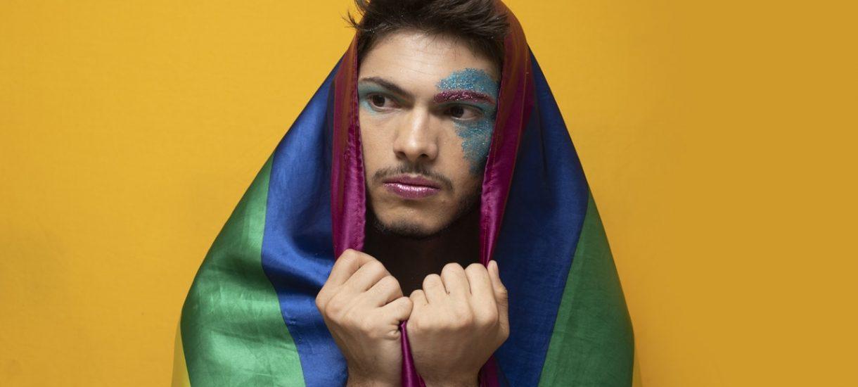 Transkrypcja homoseksualnego aktu małżeństwa – polskiego sądu nie obchodzi, gdzie zostało zawarte małżeństwo jednopłciowe