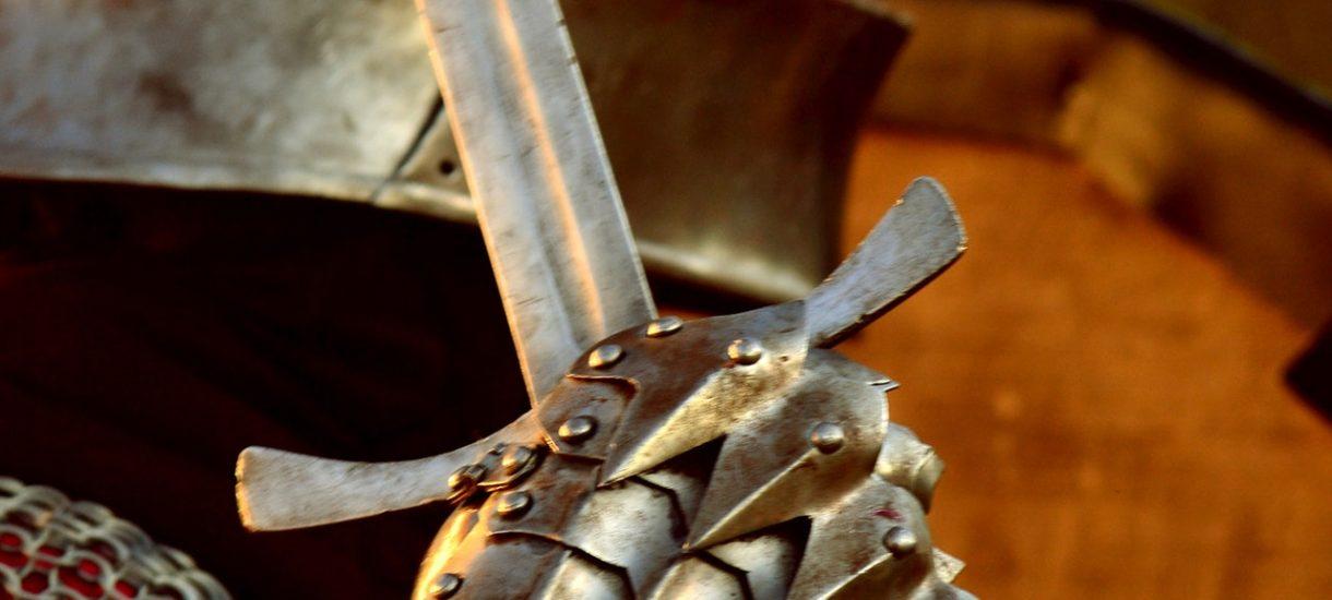 Ziobro w legislacyjnej kuźni wykuwa miecz na przedsiębiorców! Znowelizowana ustawa o odpowiedzialności podmiotów zbiorowych nie bierze jeńców