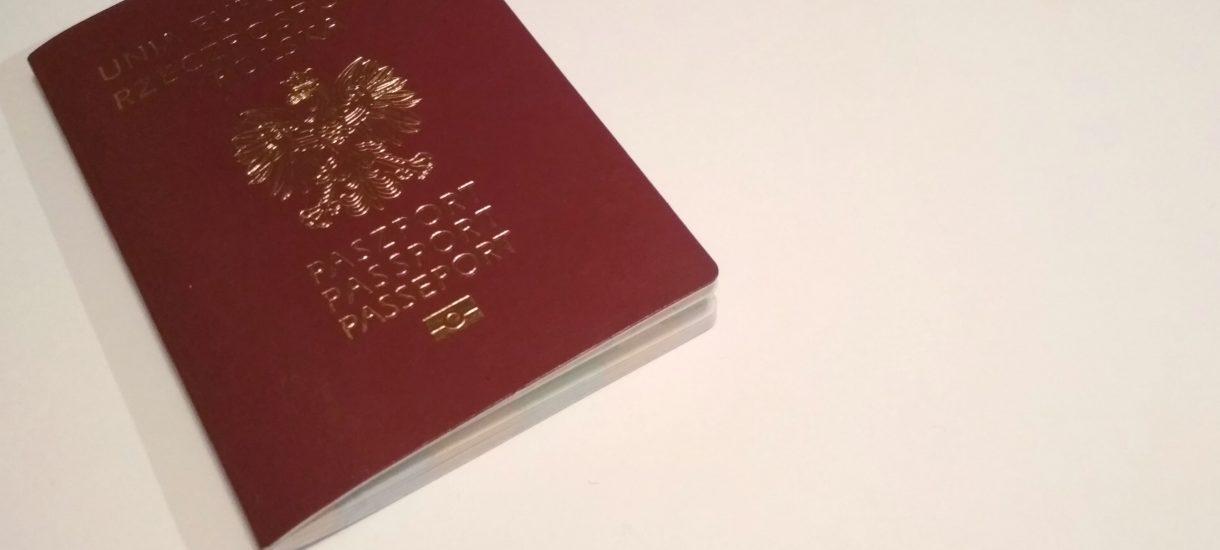 Jak złożyć wniosek o paszport dla dziecka? Ile kosztuje paszport i jakich dokumentów potrzebujemy?