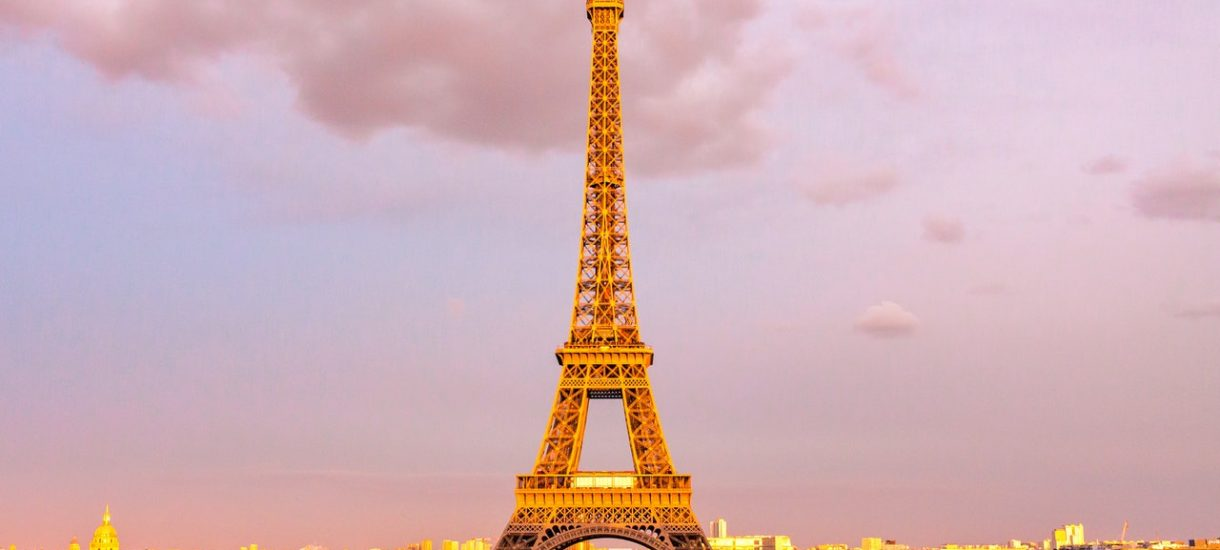 Ledwie miesiąc po wprowadzeniu nowego prawa, Paryż już z niego korzysta i chce od Airbnb 12,5 mln euro