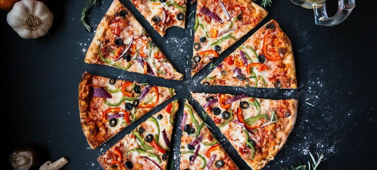 Pizza w Krakowie może być prawdziwym rarytasem. Wszystko przez… walkę ze smogiem