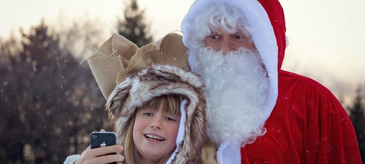 Skarga na Kaufland: market zawłaszcza wizerunek św. Mikołaja i nie sprzedaje takich worków na prezenty jak on