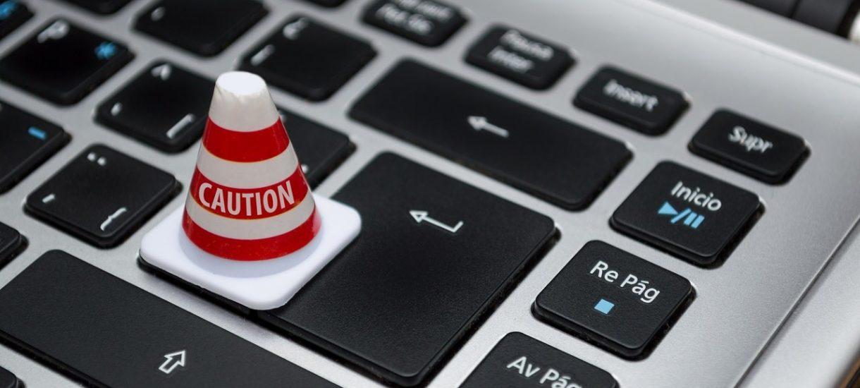 Kontrola poczty służbowej – czy pracodawca ma prawo sprawdzać e-maile pracowników?