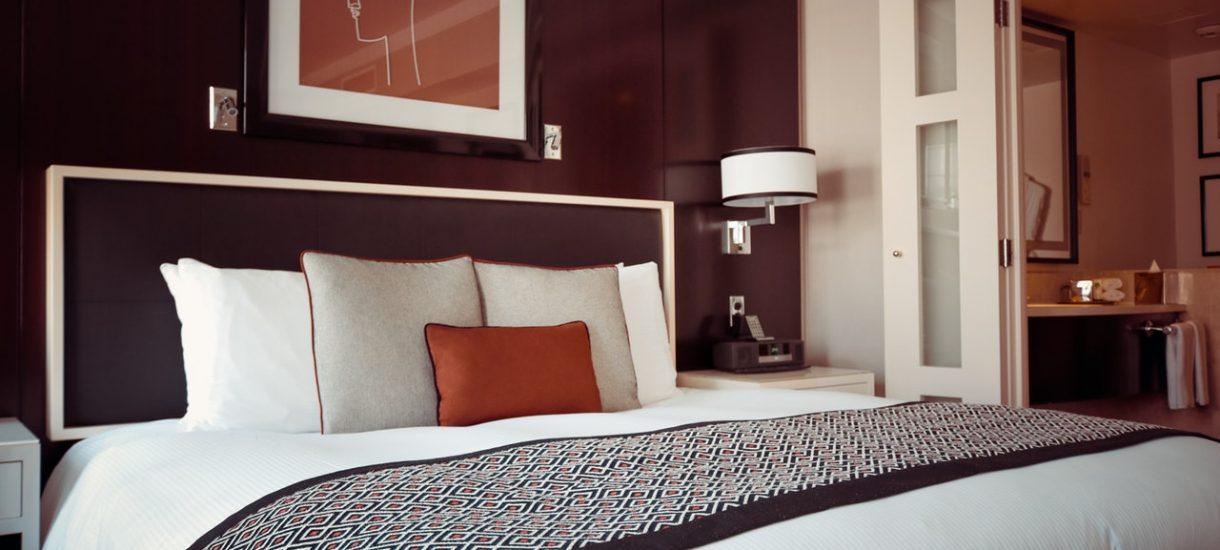 Skan twojego dowodu może właśnie krążyć po sieci jako reklama – wszystko przez bezprawne praktyki wielu hoteli