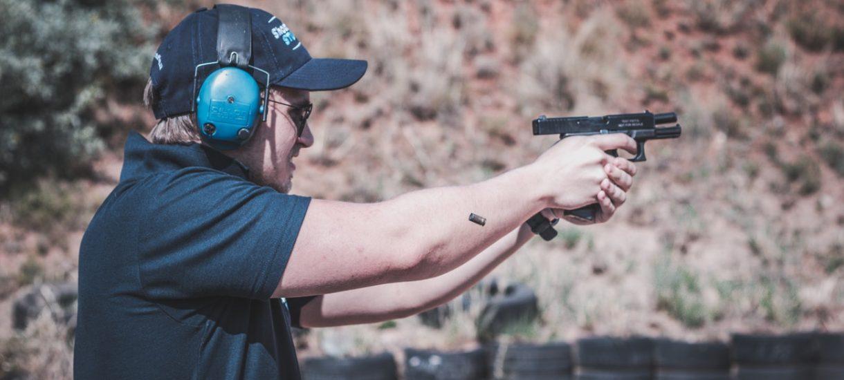 Pozwolenie na broń w Polsce nie rozwiązuje w całości problemu posiadania niebezpiecznych narzędzi
