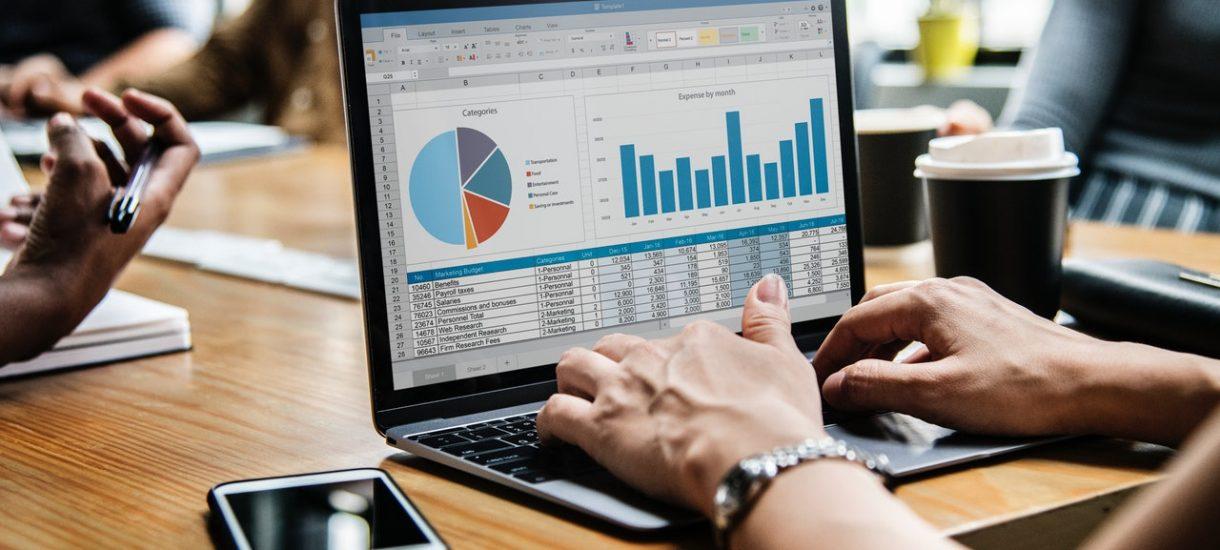 Niby prawie połowa małych firm jest zadowolona ze swojej sytuacji, ale jednak nie podobają im się wysokie podatki i nieterminowe płatności