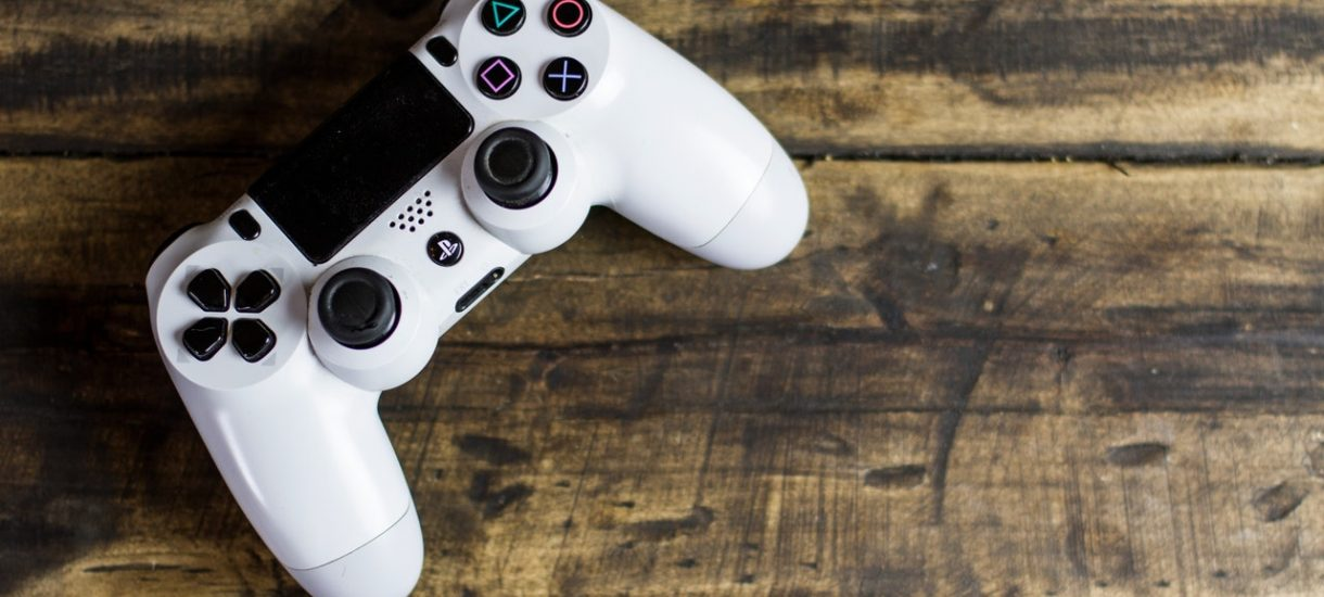 Legalność subskrypcji PlayStation Plus, Xbox Live Gold i Nintendo Switch Online stoi pod znakiem zapytania