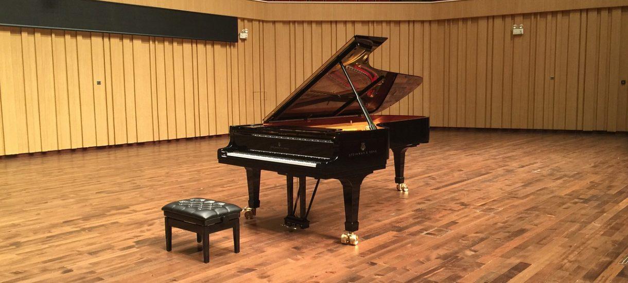 Zawodowy pianista uznany za winnego, bo grał na fortepianie w bloku