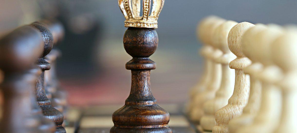 Nie oszukujmy się, że Grę o Tron zwycięży osoba z najmocniejszymi pretensjami do tronu. Rozstrzygnie się ona na polu bitwy