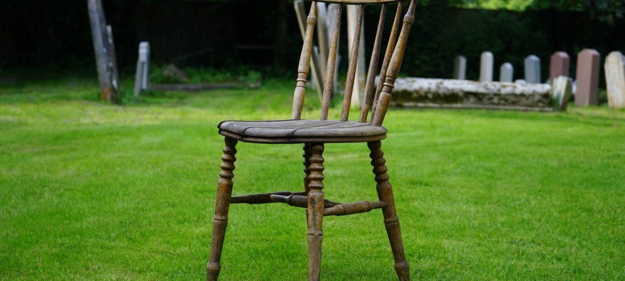Zamówiłam krzesła i dostałam instrukcję ich użytkowania. Na wszelki wypadek, gdybym chciała odszkodowania