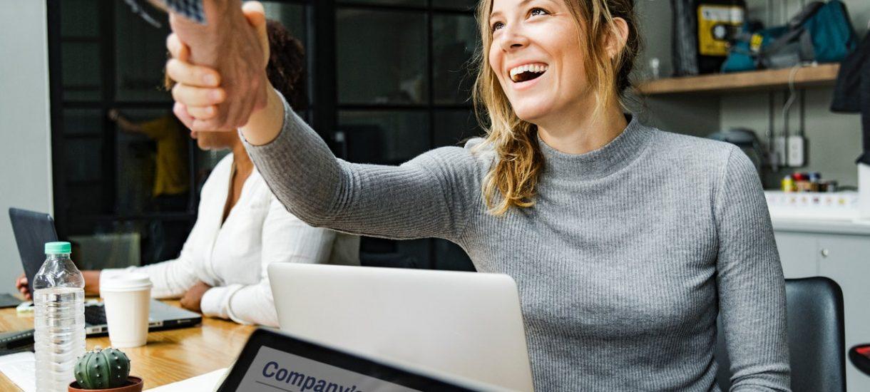 Jak przygotować się do rozmowy kwalifikacyjnej, żeby rekruter nie rozmyślił się już na starcie?
