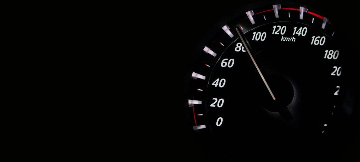 Odcinkowy pomiar prędkości narusza dobra osobiste? Zaskakujący pozew