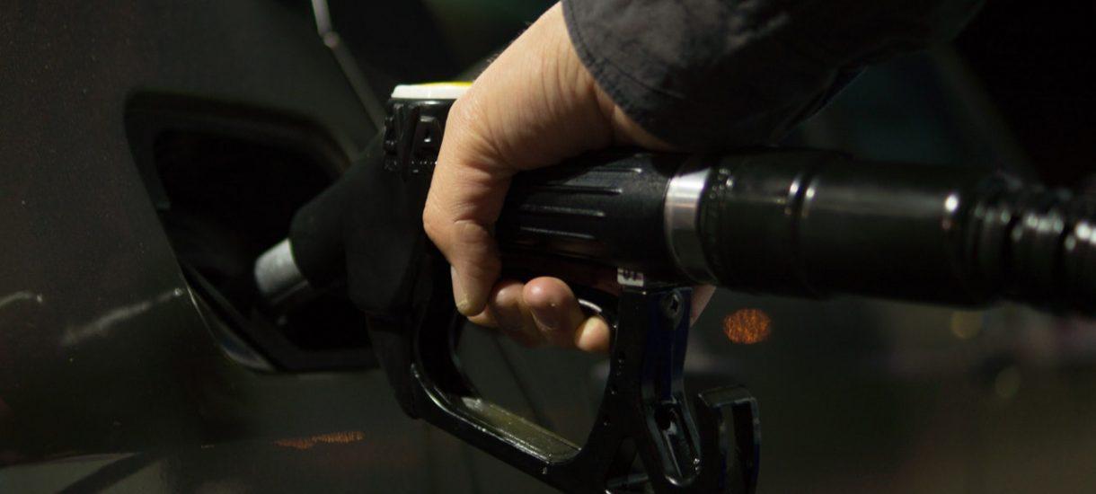 Pracodawca domaga się przemytu paliwa od kierowców. I uważa to za wyraz lojalności