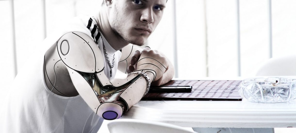 Sztuczna inteligencja kontroluje pracowników i analizuje ich aktywność w pracy – takie systemy już istnieją