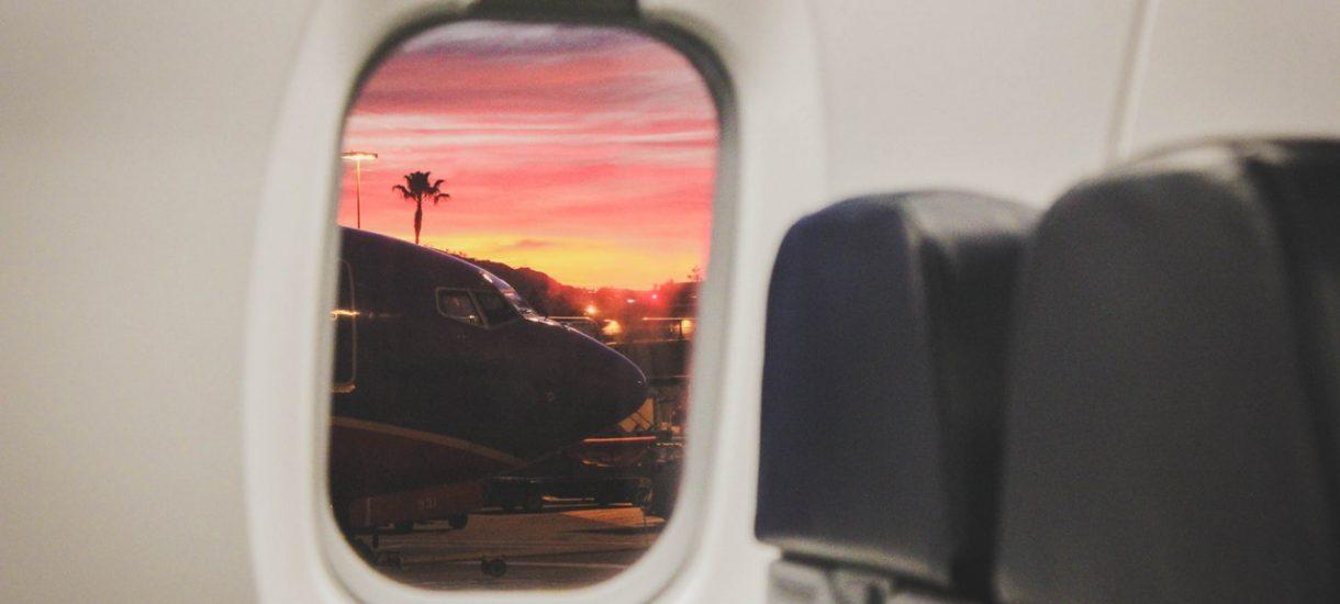 Więzienie za używanie telefonu w samolocie dla osób, które z rozmysłem narażają bezpieczeństwo pasażerów