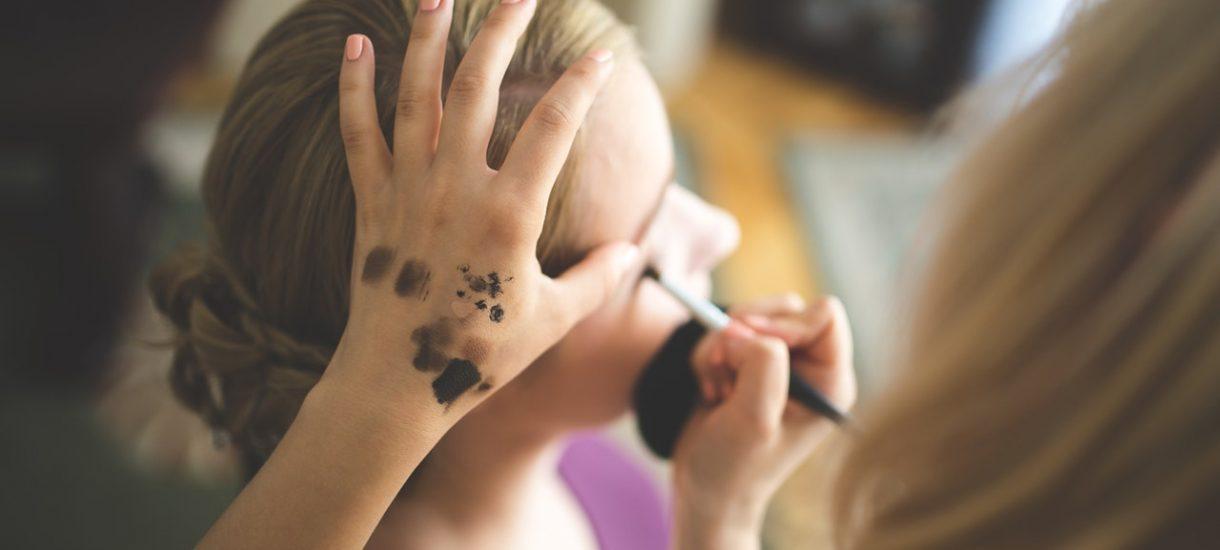 Reklamacja usługi u fryzjera i kosmetyczki. Zniszczona fryzura czy tandetny makijaż mogą pociągać za sobą konsekwencje prawne