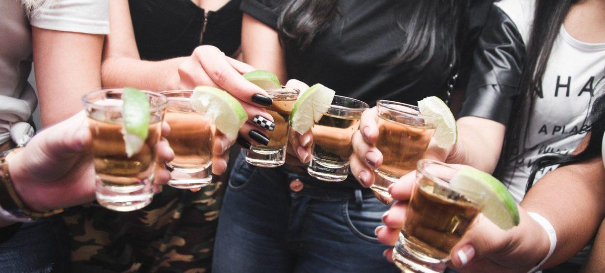 Pijany pracownik w pracy – czy pracodawca może wyciągnąć jakieś konsekwencje?