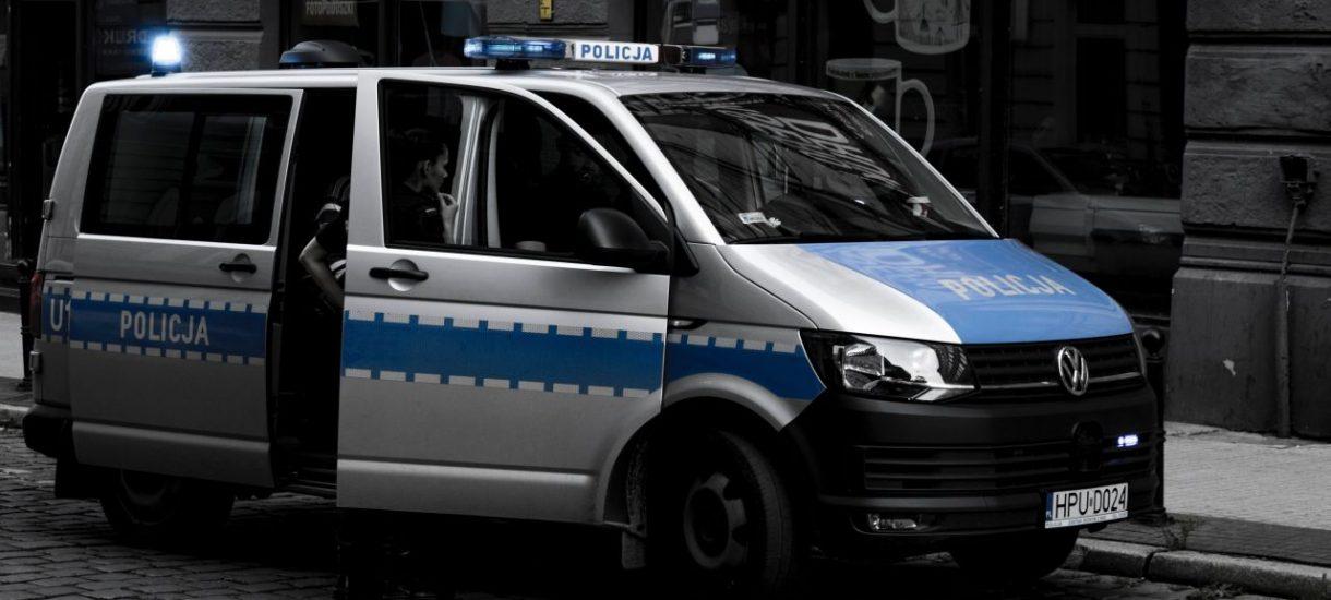 """Policja przesadziła. Zwrot """"Panie Andrzeju, proszę do kontroli"""" uznany za naruszenie zasad kultury"""