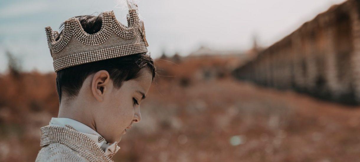 Brytyjska gra o tron. Co musi się stać, by dziecko Harry'ego i Meghan zostało królem?