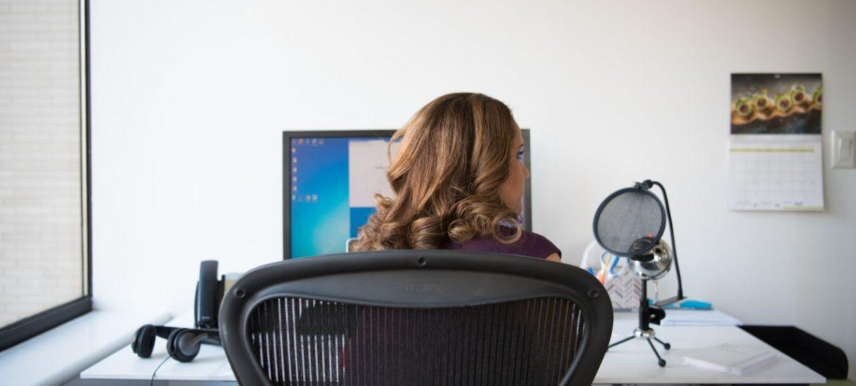 Płatne zwolnienie od pracy: komu przysługuje i w jakich sytuacjach?