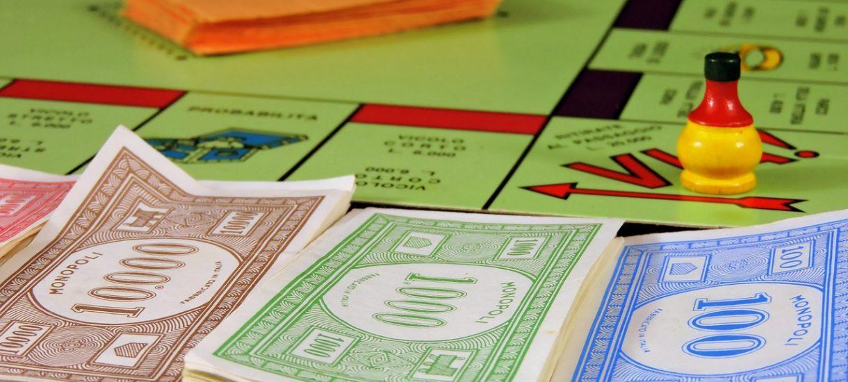 """Rosjanin chciał nielegalnie wjechać do Polski pokazując pieniądze z """"rosyjskiego Monopoly"""""""