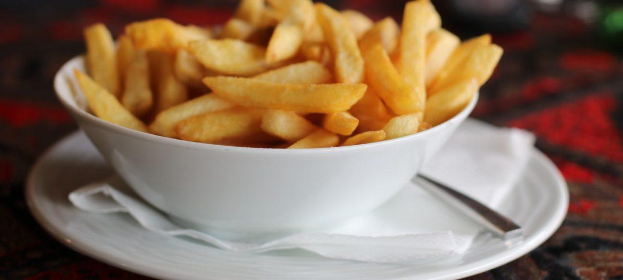 Czy McDonald's uczy nas braku szacunku do jedzenia? – na to pytanie musiała odpowiedzieć Komisja Etyki Reklamy
