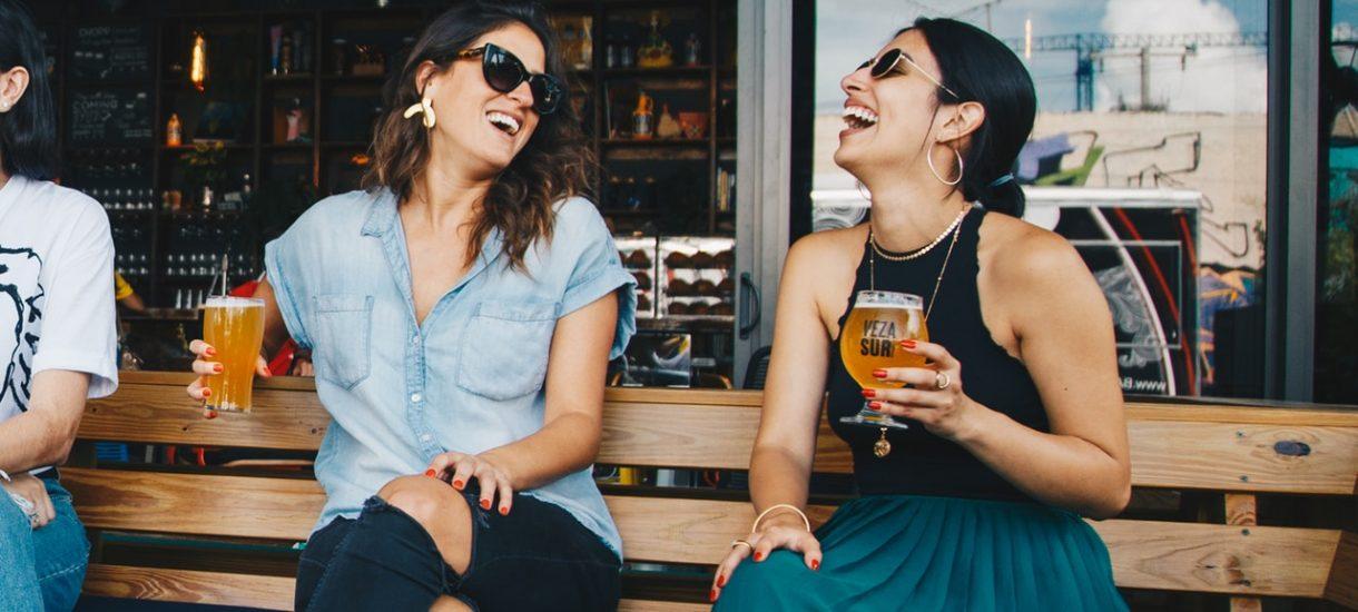 Czy można pić piwo bezalkoholowe w miejscu publicznym?