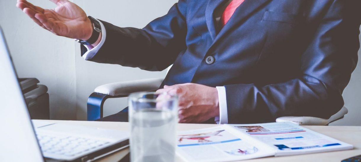 Gdzie powinien szukać pracy prawnik bez doświadczenia? Dobra wiadomość jest taka, że wcale nie trzeba pracować za darmo