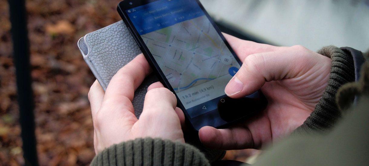 W Google Maps będzie można włączyć powiadomienie o zboczeniu z trasy. Taka funkcja z pewnością przyda się w taksówce, czy Uberze