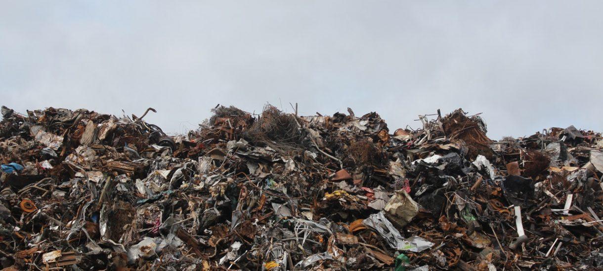 Gmina będzie mogła sprzedać w skupie papier, szkło i plastik. Oznacza to niższe opłaty za śmieci