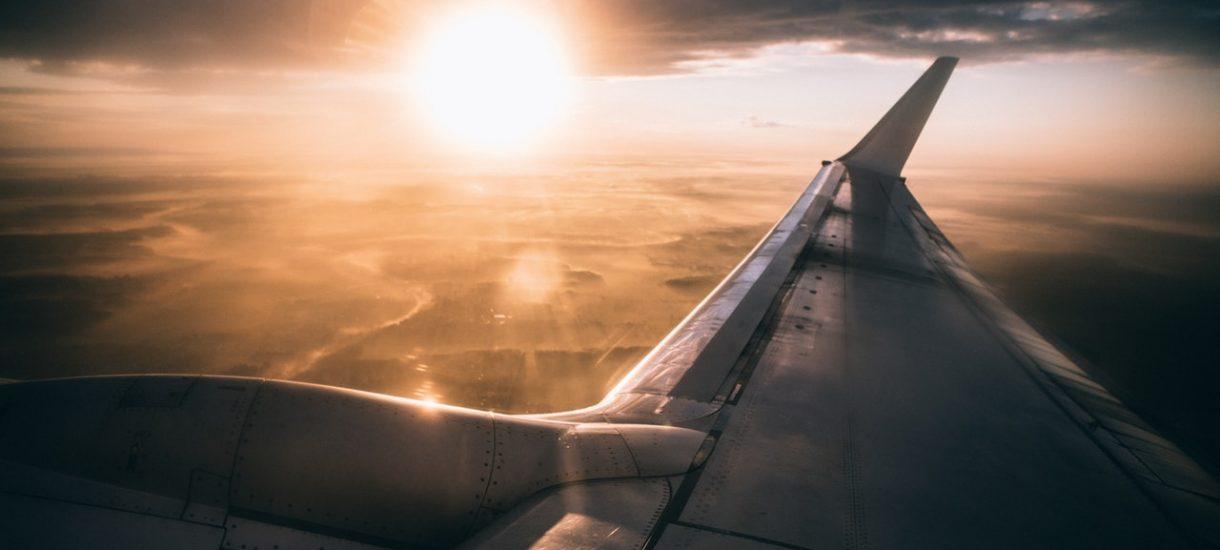 Koniec z lataniem z Modlina? Raport jasno wskazuje, że obecnie lotnisko jest nierentowne