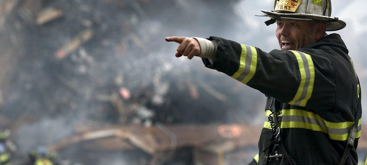 """""""Nie przepuszczajcie straży pożarnej, zabierają dzieci jak gestapo"""", apeluje DzielnyTata.pl"""