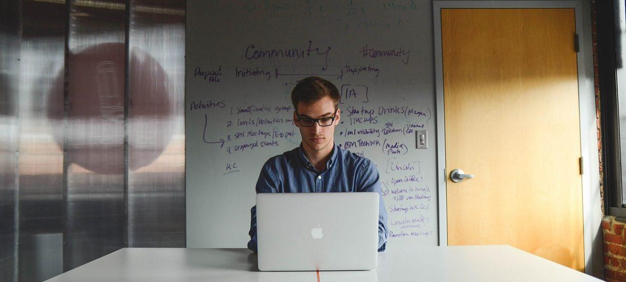Fiskus kręci nosem na reklamy na Facebooku. Przedsiębiorcy muszą mieć to na uwadze